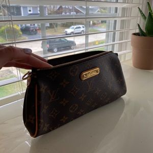 Louis Vuitton Eva Brown Monogram Canvas Cross